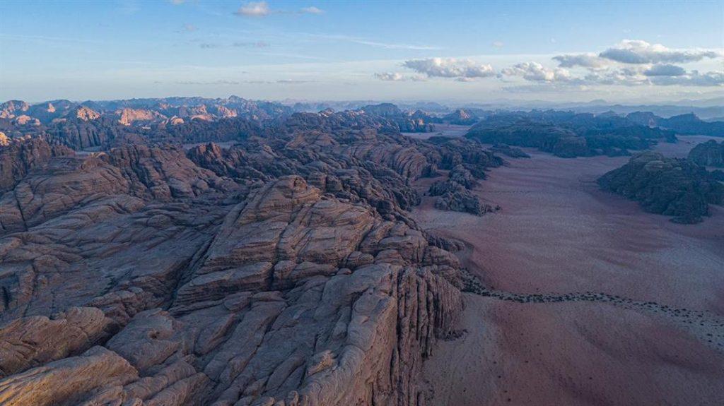 مشاهد توثق سحر الطبيعة في صحراء بجده غرب تبوك