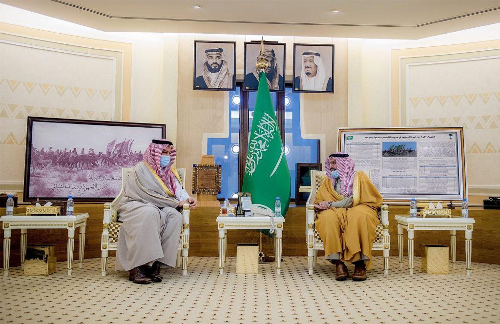 أمير القصيم يلتقي المستشار بالديوان الملكي رئيس مجلس إدارة الهيئة العليا للفروسية الأمير بندر بن خالد الفيصل