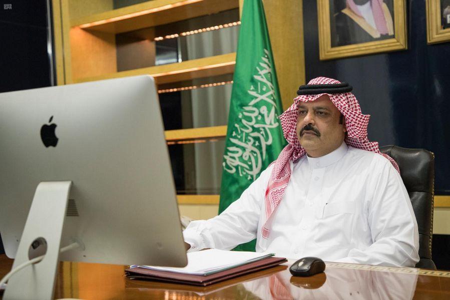 """أمير حائل يوجه بمتابعة تطبيق الإجراءات الاحترازية لمكافحة """"كورونا"""""""
