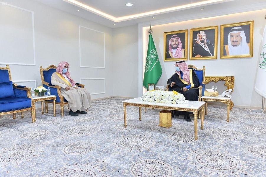 أمير نجران يستقبل رئيس مساعد محكمة الاستئناف بالمنطقة