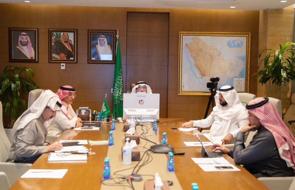 وزير التعليم يلتقي بالفريق العلمي بجامعة الإمام عبدالرحمن بن فيصل بعد إنهاء التجارب قبل السريرية لإنتاج لقاح فيروس كورونا