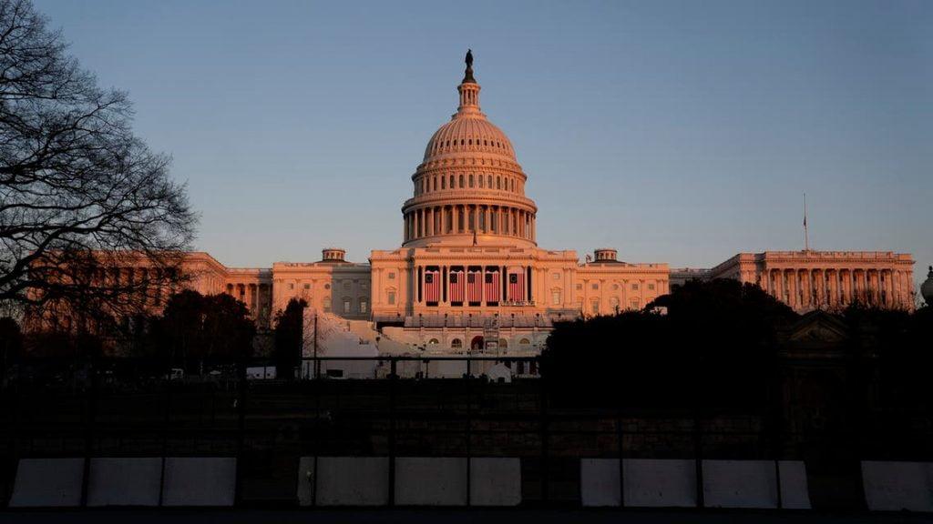 استنفار بواشنطن.. إغلاق مبنى الكونغرس لوجود تهديد أمني