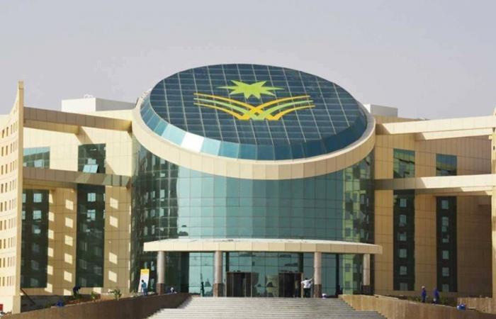 جامعة نجران تسلم وثائق التخرج عبر البريد الممتاز