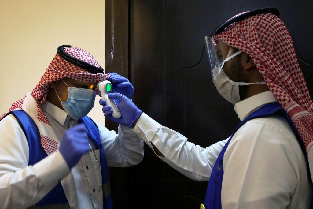 الإمارات تسجل 3434 إصابة جديدة بفيروس كورونا
