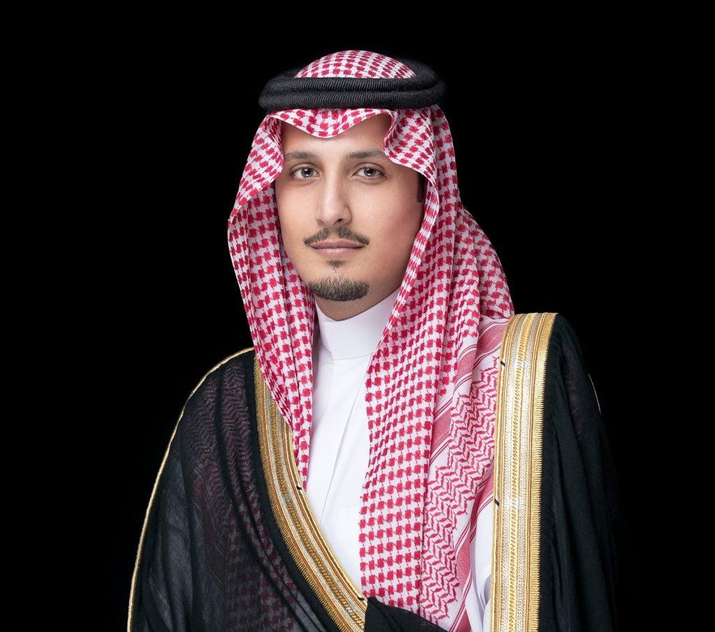 نائب أمير الشرقية يرفع تهنئة لسمو ولي العهد بنجاح العملية الجراحية
