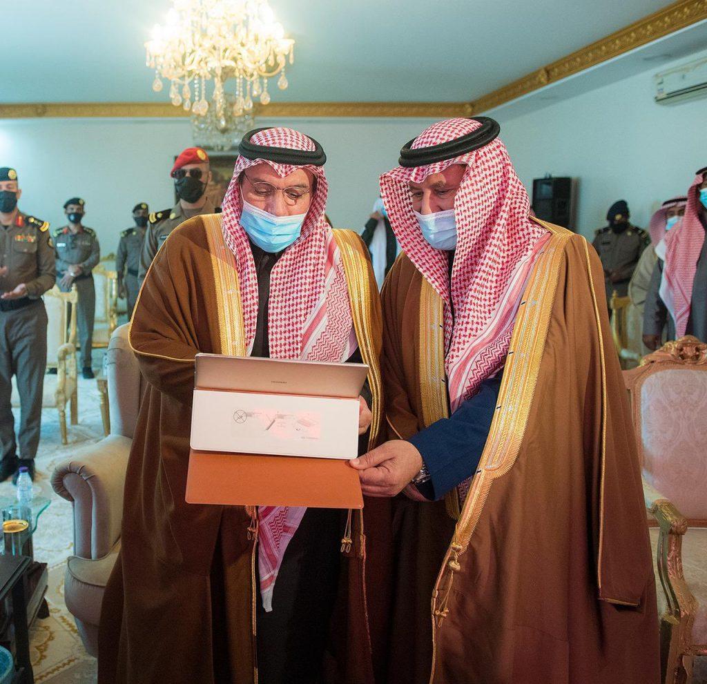 أمير القصيم يدشن مشاريع تنموية بمركز الدليمية
