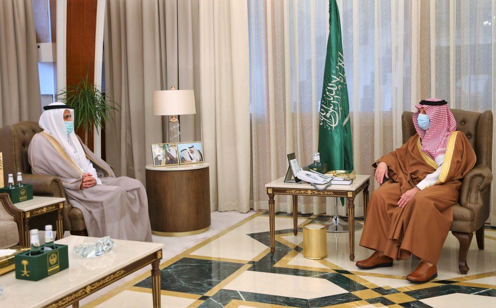 أمير الشرقية يستقبل وزير الصحة