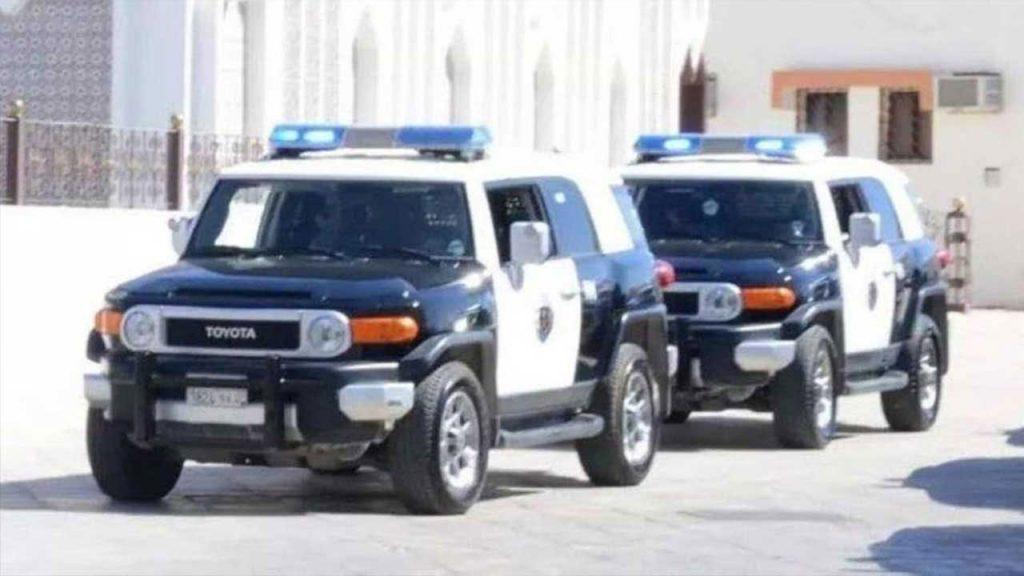 القبض على 3 مواطنين ارتكبوا جرائم سرقة وسطو على المتاجر تحت تهديد السلاح