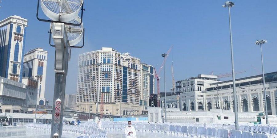 (300) مهندس وفني و(4000) عملية صيانة لضمان جودة الكهرباء بالمسجد الحرام