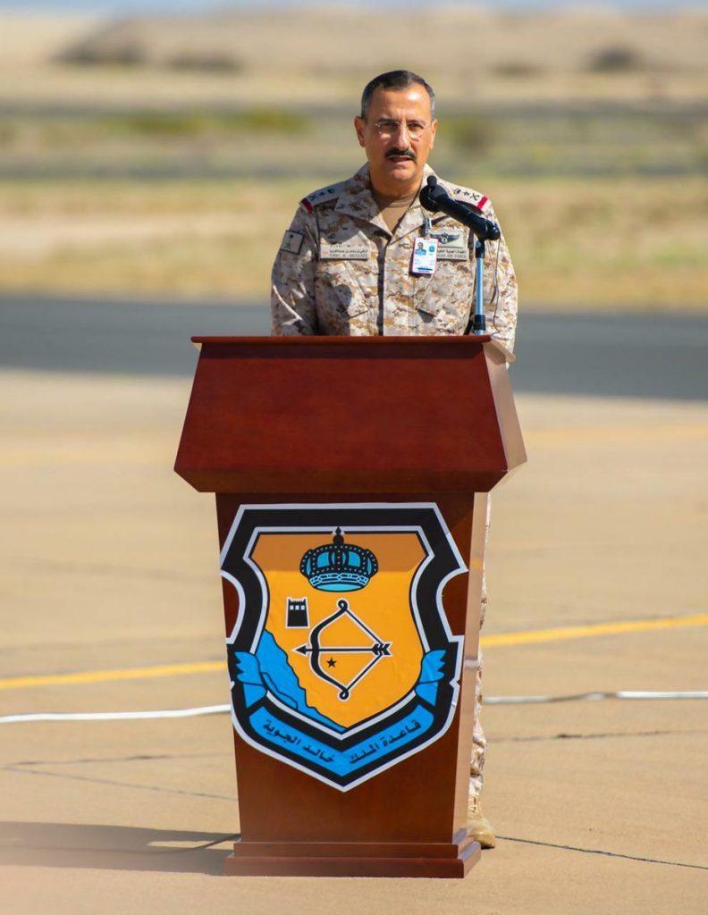 """قائد القوات الجوية يطلع على استعدادات المشاركين في تمرين """"علم الصحراء"""""""