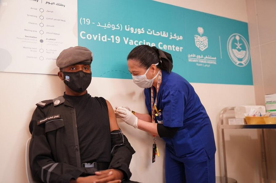 الخدمات الطبية بوزارة الداخلية تطلق المرحلة الثانية لتقديم لقاحات فيروس كورونا