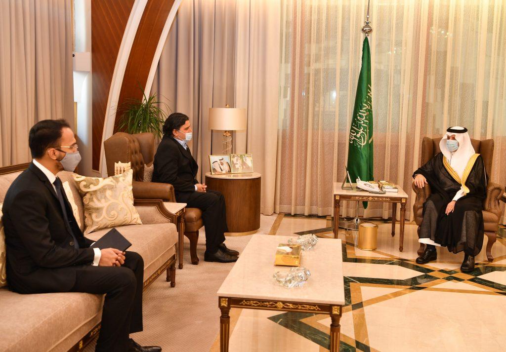 أمير الشرقية يستقبل سفير جمهورية باكستان لدى المملكة