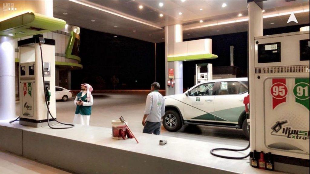 """""""تجارة نجران"""" تنفذ جولات رقابية على محطات تعبئة الوقود لتأكد من التزامها بالأسعار المحدثة"""