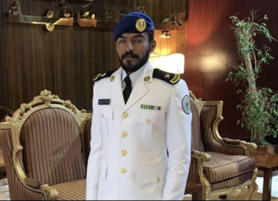 """""""الحجيري"""" يتلقى التهاني في مناسبة تخرج ابنه عبدالعزيز من كلية الملك فهد البحرية"""