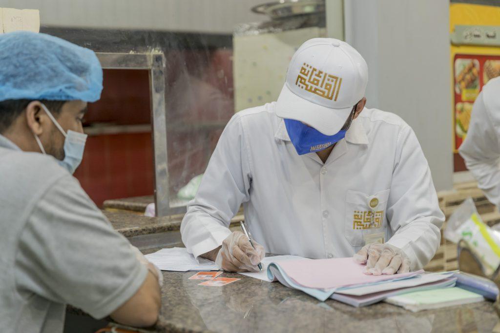 أمانة القصيم تنفذ 27 ألف جولة رقابية وترصد 120 مخالفة