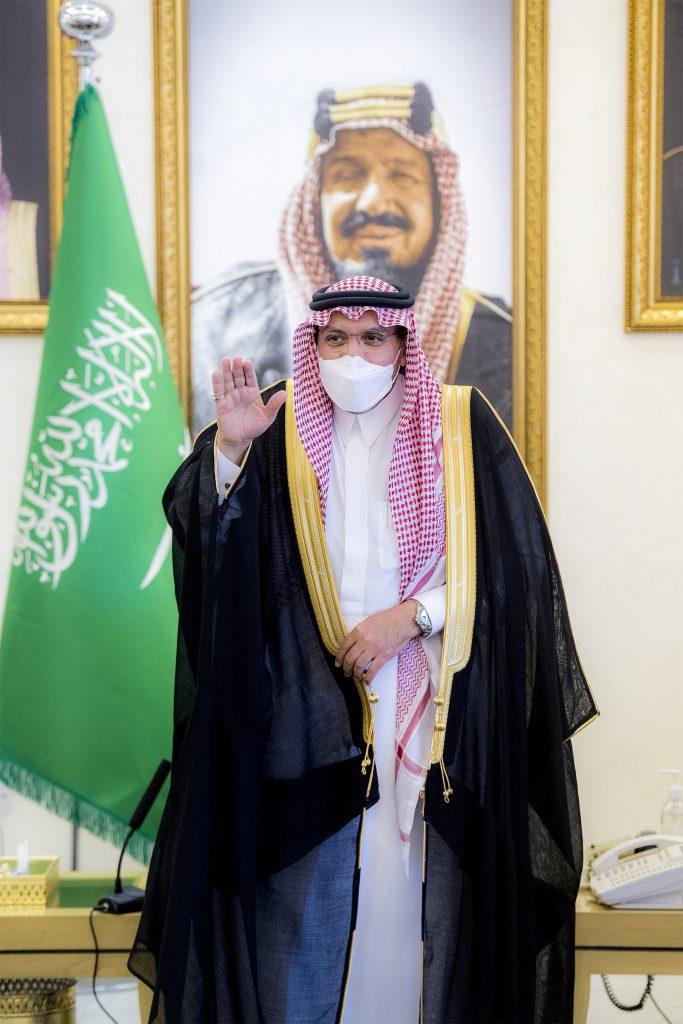 أمير القصيم يلتقي المهنئين بمناسبة حلول شهر رمضان المبارك