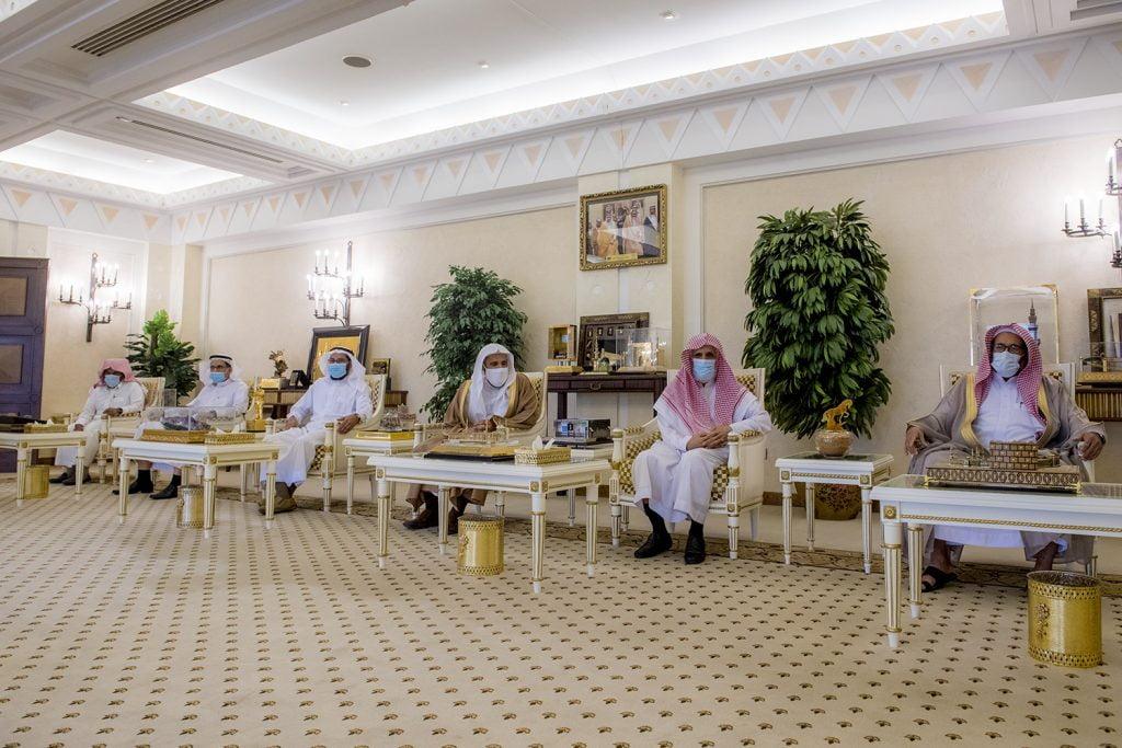 أمير القصيم يطلع على خطة جمعية الإحسان للخدمات الاجتماعية ببريدة
