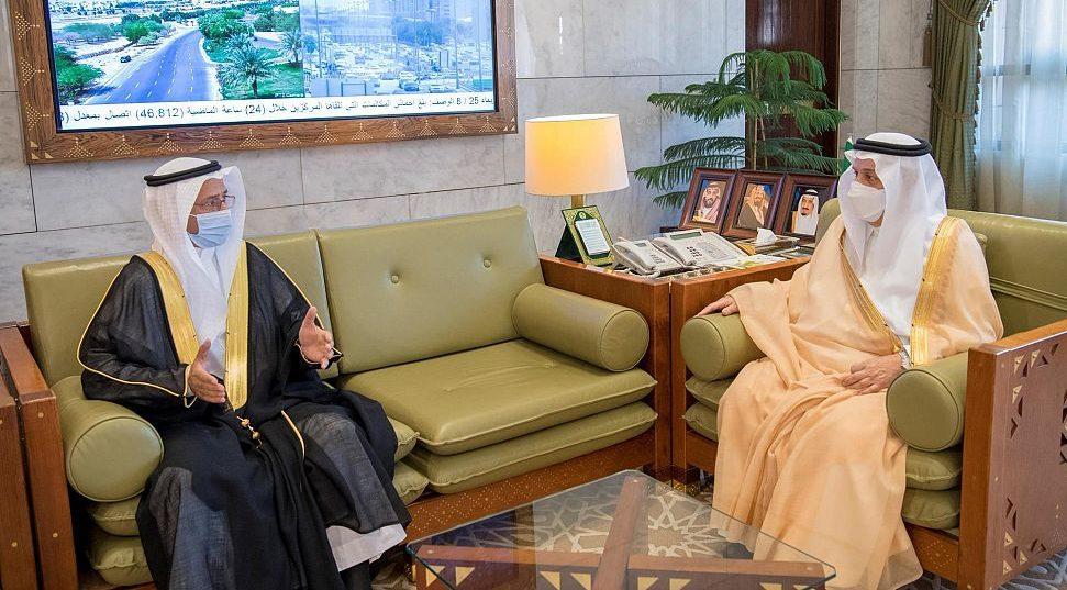 """الأمير فيصل بن بندر يستقبل مدير جمعية """"إنسان"""""""