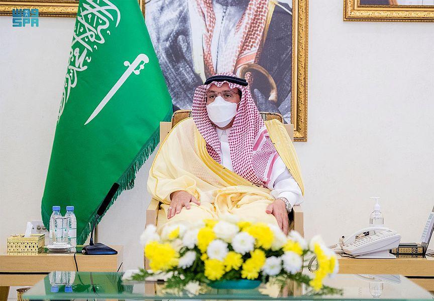 الأمير فيصل بن مشعل يكرم الفائزين بمسابقة مدرستي الرقمية بتعليم القصيم