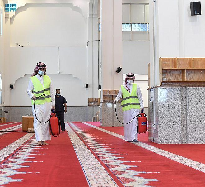 تهيئة المساجد والجوامع بتبوك استعداداً لشهر رمضان المبارك