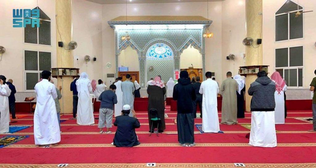 أداء أول صلاة تراويح في أول ليلة لشهر رمضان المبارك بمساجد الباحة