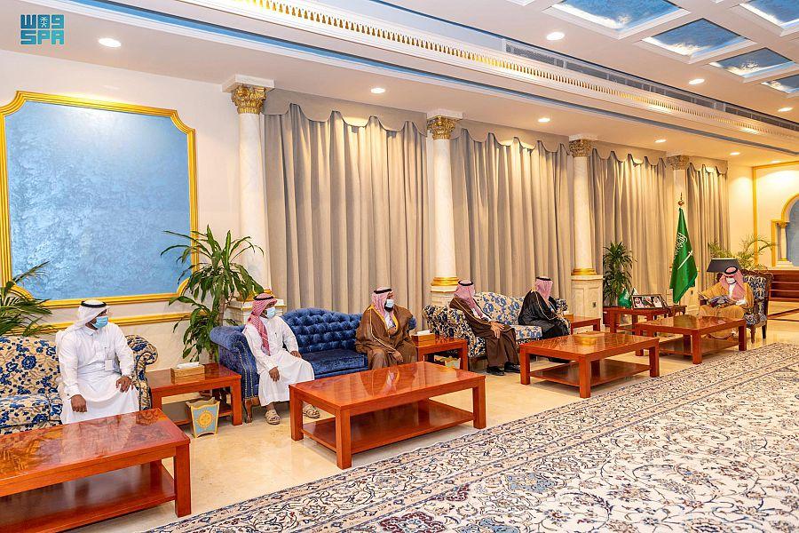 أمير الجوف يستقبل رئيس وأعضاء جمعية سمح للخدمات الطبية بطبرجل
