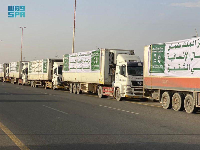 عبور 26 شاحنة مقدمة من مركز الملك سلمان للإغاثة منفذ الوديعة متوجهة لعدة محافظات يمنية
