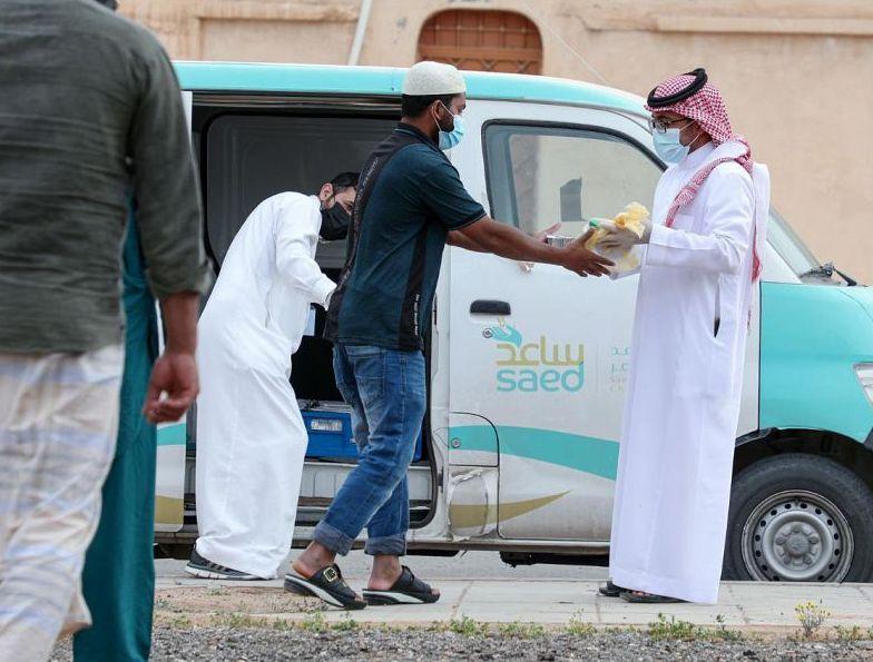 جمعية ساعد الخيرية بعرعر توزع أكثر من 9000 وجبة إفطار للصائمين