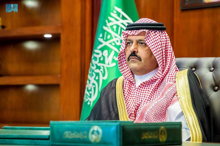 الأمير عبدالعزيز بن سعد يرعى حفل تخريج 6232 خريجاً وخريجة بجامعة حائل