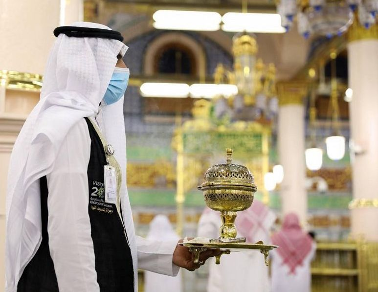 أكثر من 650 جولة لتبخير وتطييب المسجد النبوي خلال النصف الأول من شهر رمضان المبارك