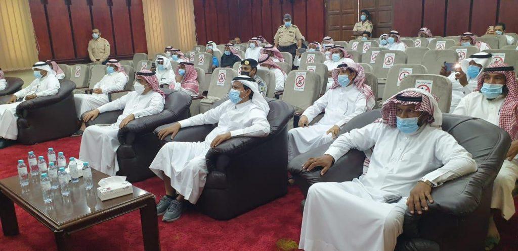 مدير عام فرع وزارة البيئة بجازان يكرم المشاركون في أسبوع البيئة من الفرع والجهات الحكومية الأخرى