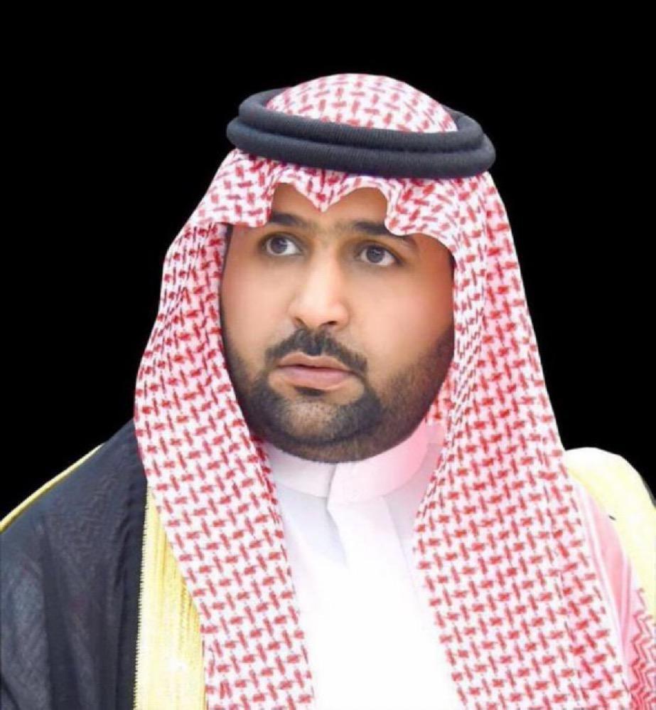 الأمير محمد بن عبدالعزيز يعزي بوفاة عريفة قبيلة الدفري بفيفاء