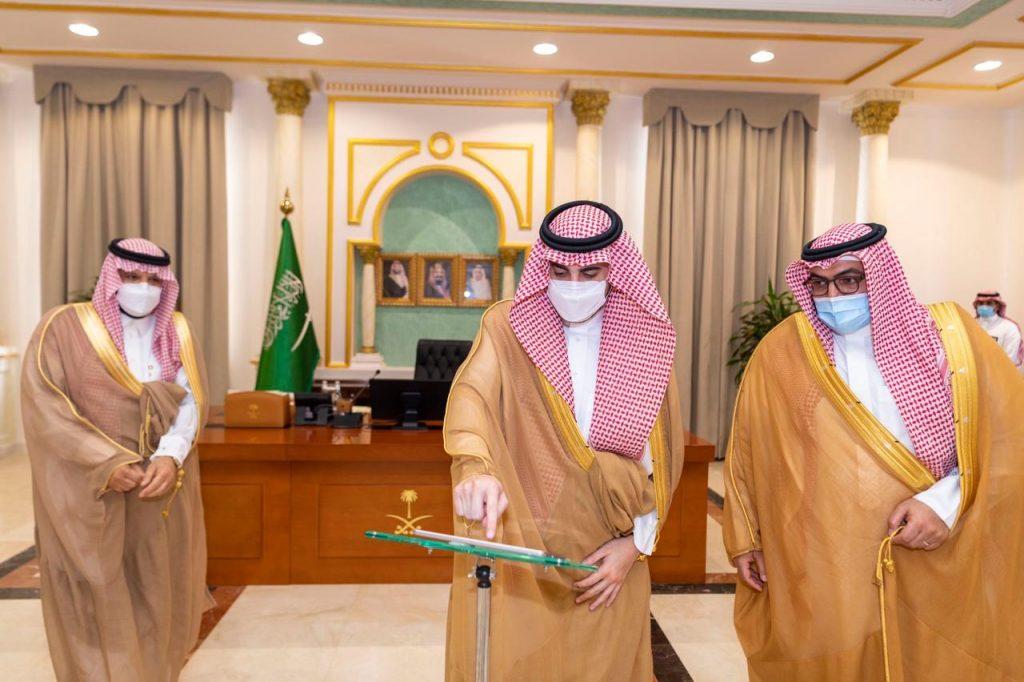 أمير منطقة الجوف يدشّن مبنى البريد السعودي في المنطقة