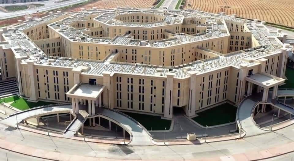"""الجيش المصري يستعد للانتقال لمبنى """"الاكتاجون"""" الأضخم في الشرق الأوسط"""