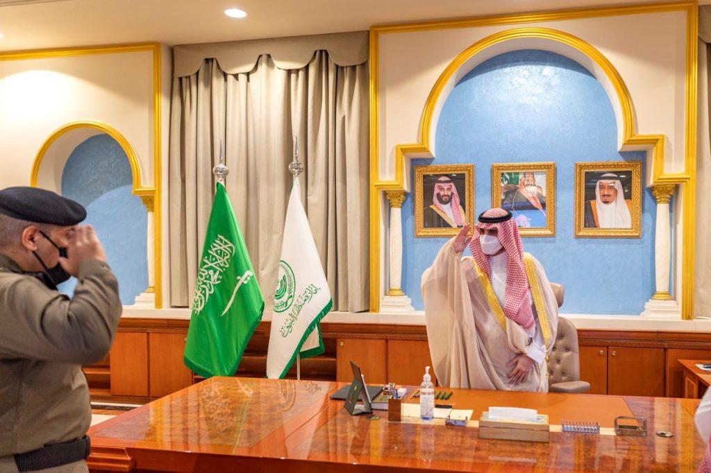 أمير منطقة الجوف يطلع على منجزات إدارة المرور بالمنطقة