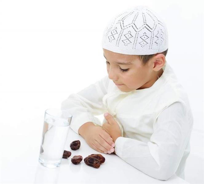 استشاري يوضح تأثير تعنيف الأطفال حال إفطارهم في نهار رمضان