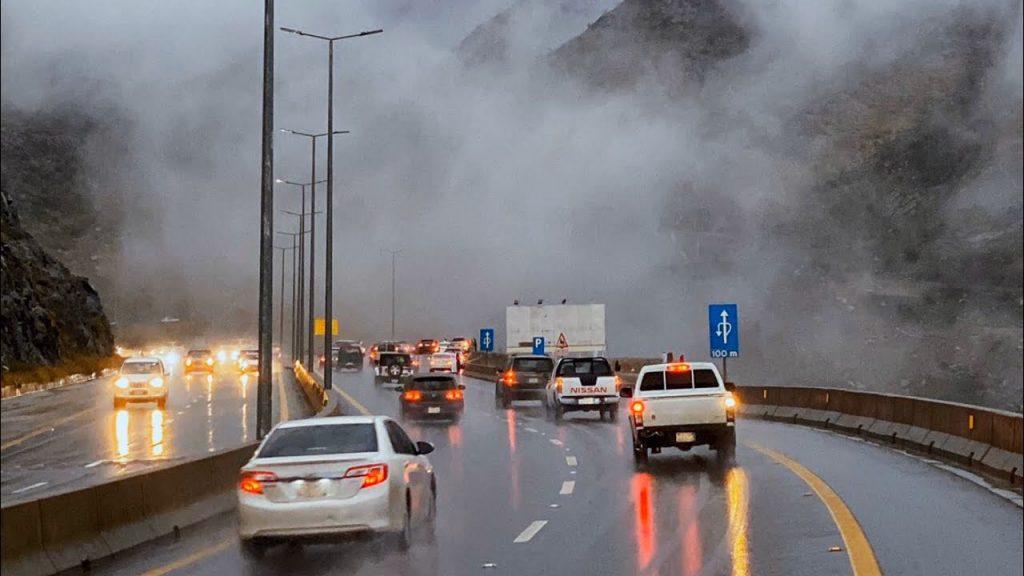 إمارة مكة تعلن عن إغلاق احترازي لـطريق الهدا في الاتجاهين بسبب هطول الأمطار