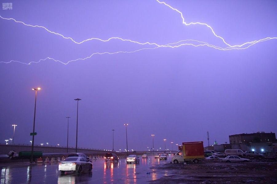 المركز الوطني للأرصاد: أمطار رعدية على منطقة جازان