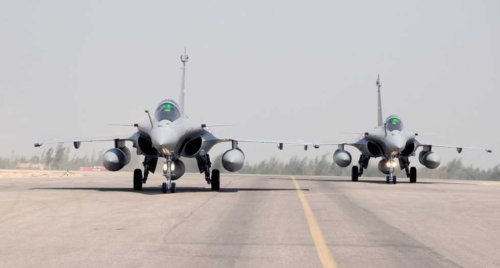 مصر توقع عقدًا مع فرنسا لتوريد 30 طائرة رافال