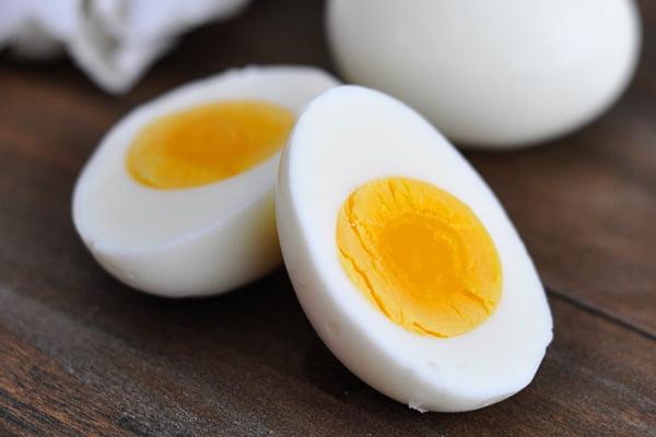 من بينها البيض.. أبرز 7 أطعمة تُسبب الحساسية