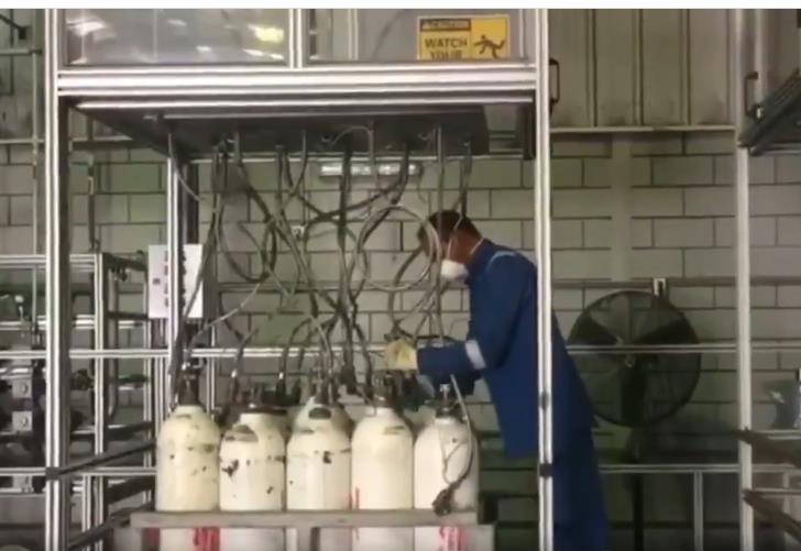 مصنع في الدمام يعد أطنانًا من الأكسجين السائل لتصديرها إلى الهند