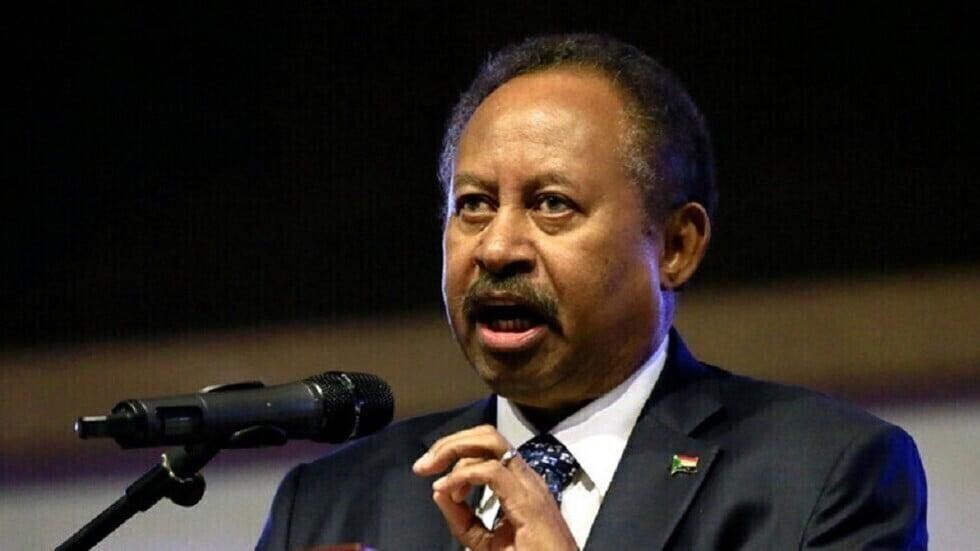 """رئيس وزراء السودان يعلق على """"تهديد السيسي بخوض حرب"""" حال عدم حل أزمة سد النهضة"""