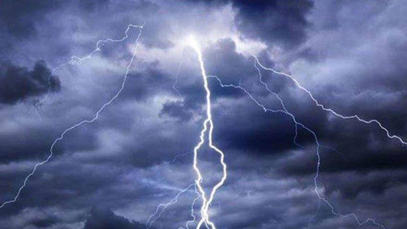 """""""الأرصاد"""" تصدر تنبيهات بأمطار رعدية وغبار على عدد من المناطق"""