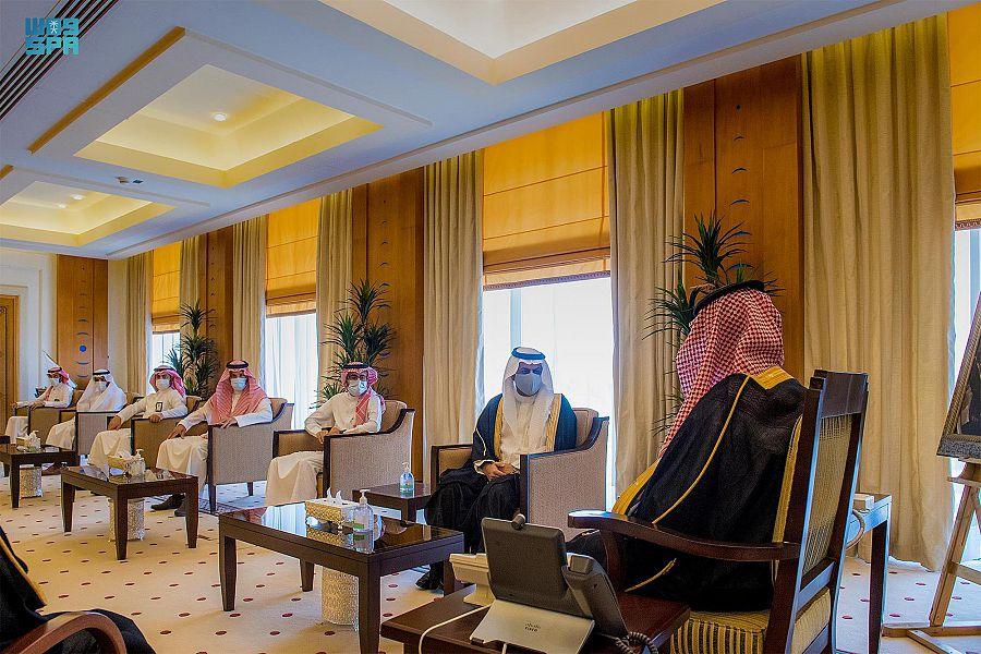 نائب أمير القصيم يطلّع على برامج التحوّل الصحي بالمنطقة