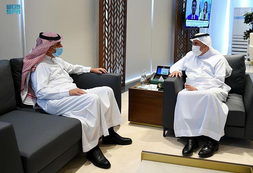 الدكتور الربيعة يلتقي سفير المملكة لدى قيرغيزستان