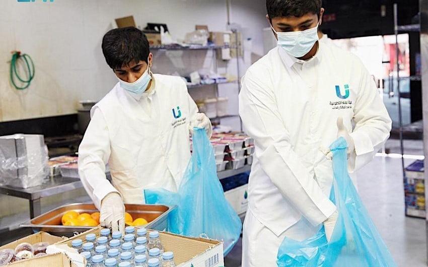 """وارف رفحاء""""تقدم 3,100 وجبة صائم متكاملة في مبادرة في رمضان"""