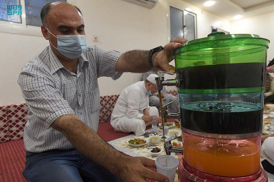 العوائل السورية بمنطقة تبوك تستحضر عاداتها الرمضانية بالأهازيج التراثية