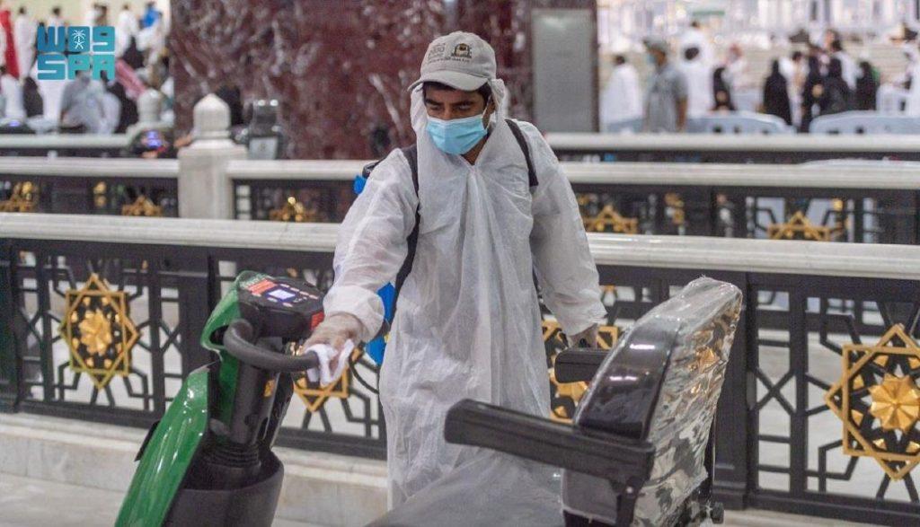 إدارة التنقل بالمسجد الحرام توفر عربات مجانية للمحتاجين من المعتمرين