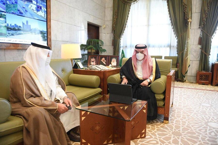 """أمير الرياض يدشن حملة """"أخرج زكاتك من بيتك"""""""