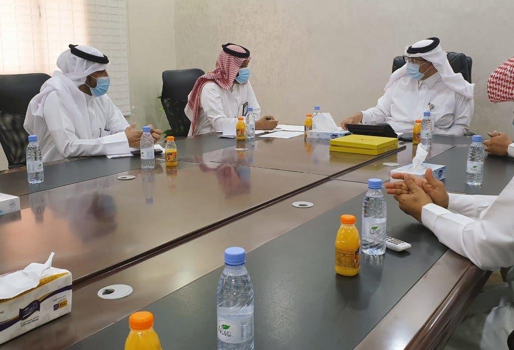 أمين منطقة تبوك يتفقد سير العمل في محافظة أملج